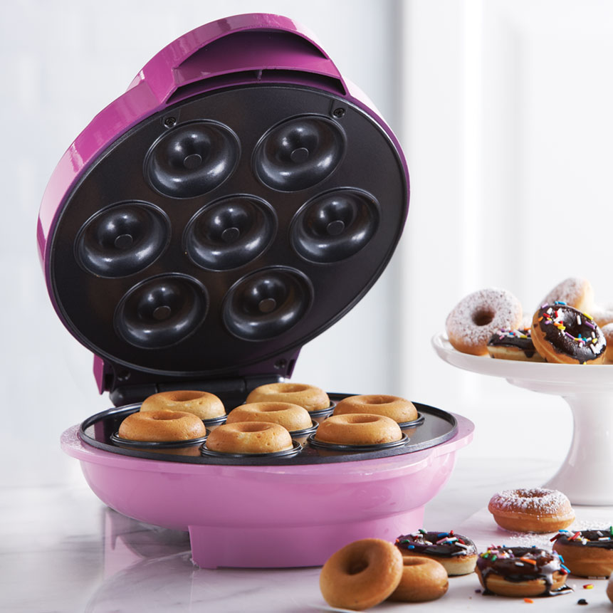 Brentwood TS-250 Non-Stick Mini Donut Maker Machine, Pink